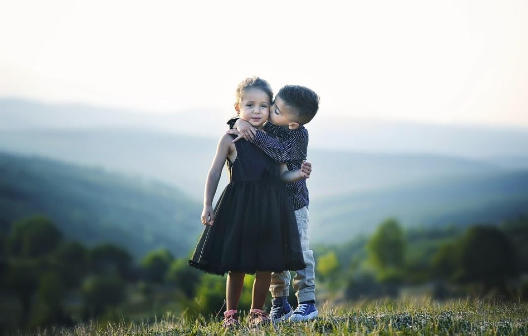 abraços protegem contra stress