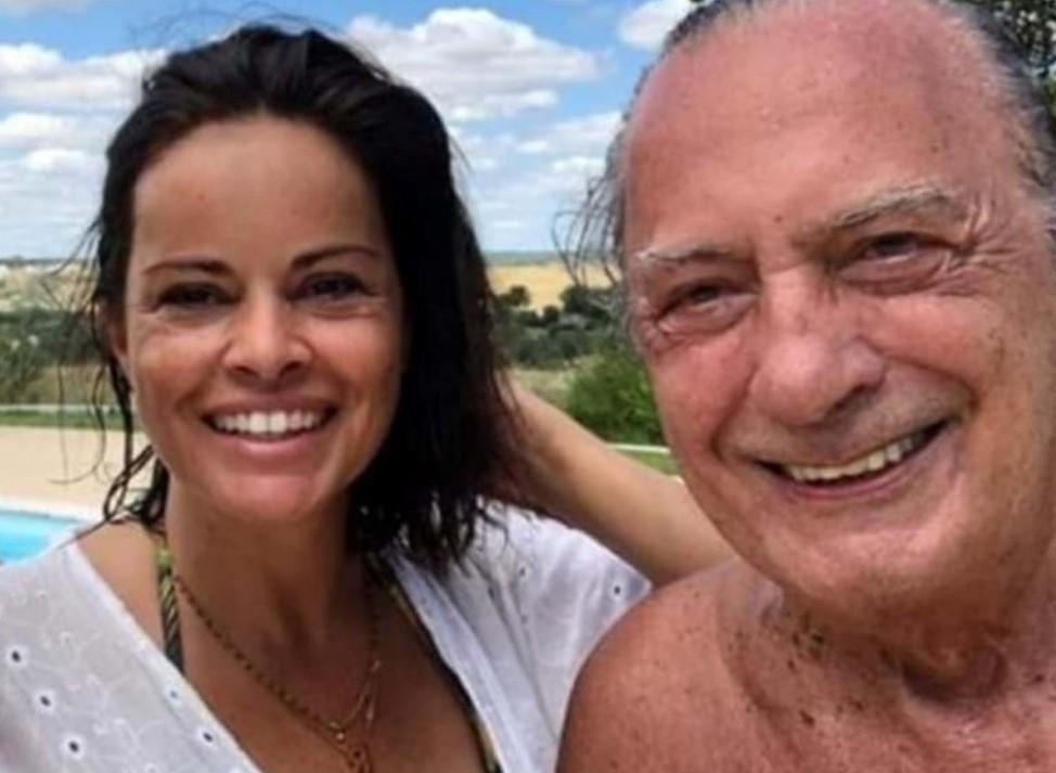 Carlos Cruz vai de férias com a ex-mulher Raquel Rocheta