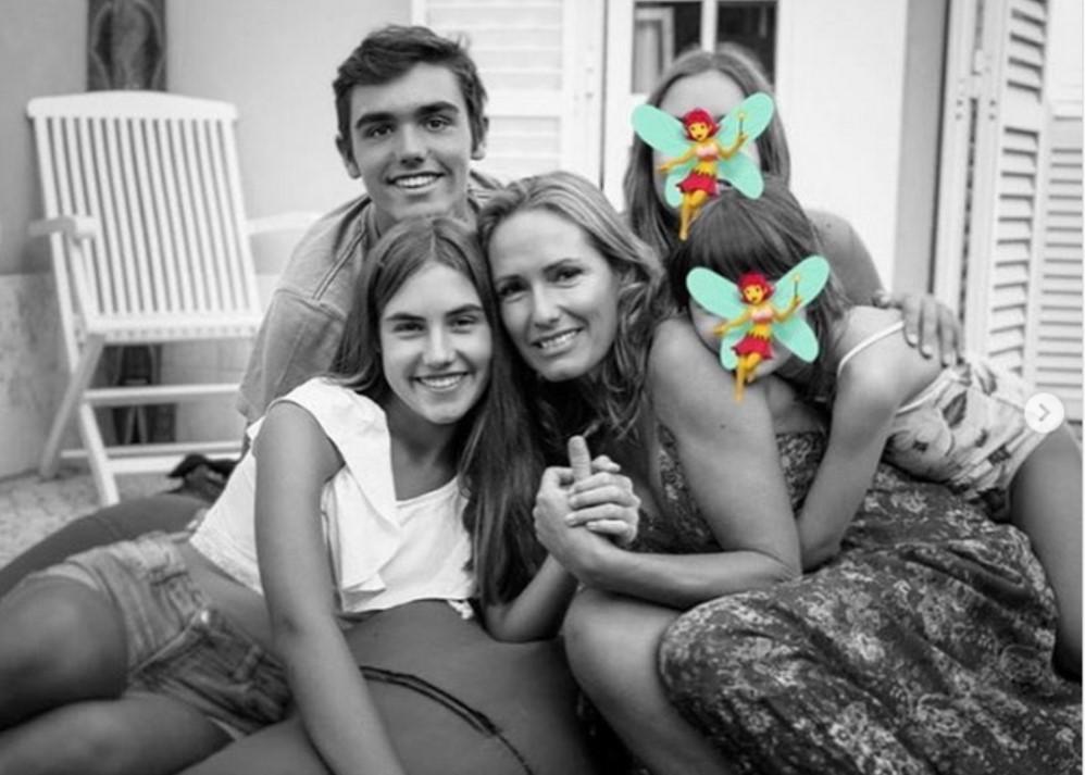 Fernanda Serrano partilha foto com filhos