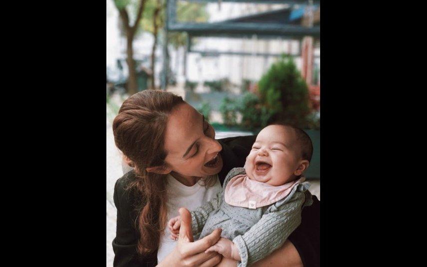 Sara Prata partilha fotos amorosas da filha