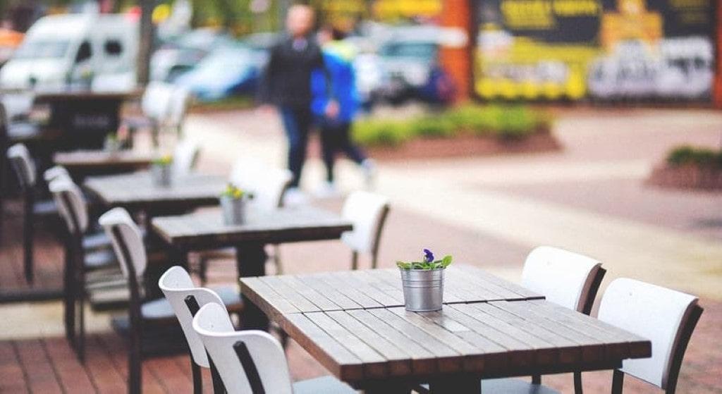 Cafés e restaurantes fechados